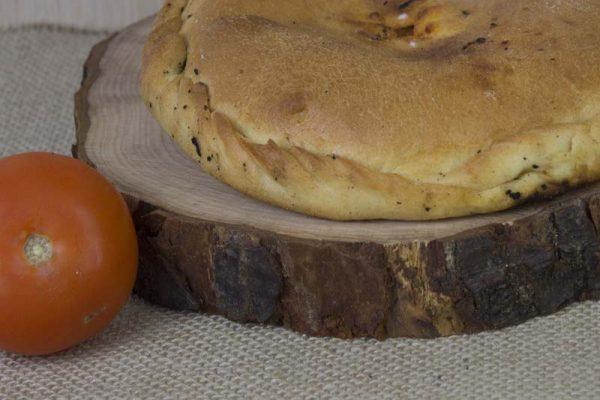 Calzone pugliese pomodoro e mozzarella