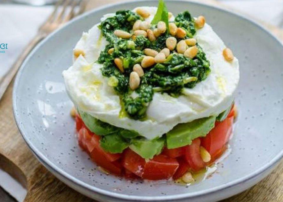 Ricetta Tartare di Avocado, mozzarella e pomodori