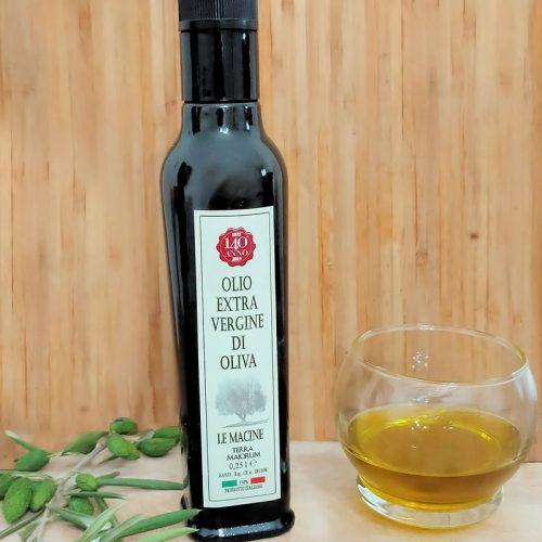 Olio di oliva extravergine in bottiglia da 250 ml