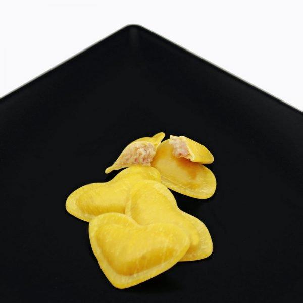 ravioli di pasta fresca ripieni con tanti gusti